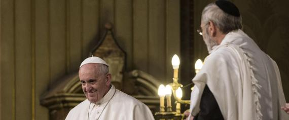 Pope Francis visits Rome Synagogue
